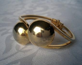Retro Gold Spring Hinge Cuff Bracelet, Gold Tone Bracelet, Gold Bracelet