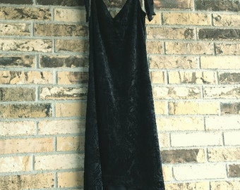 Vintage 90s Gothic Witchy Black Lace Dress