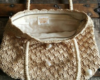 Vintage Sea Shell Raffia Purse/ It's in the  Bag/ by Ritter