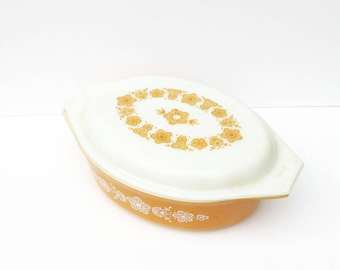 Vintage Pyrex Covered Casserole Dish in Butterfly Gold
