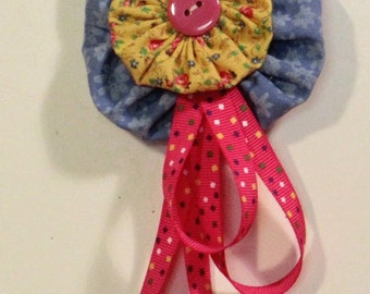 Calico fabric pin/bqooch pink streamers