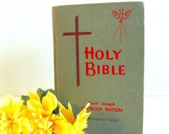 Vintage Holy Bible Book Saint Josephs Textbook edition confraternity version 1963 religious Catholic book 609 Church Old  New Testament