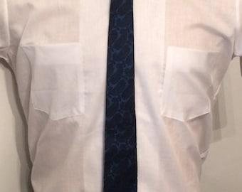 Vintage MENS Carson Pirie Scott black & blue paisley silk skinny tie, circa 50s-60s