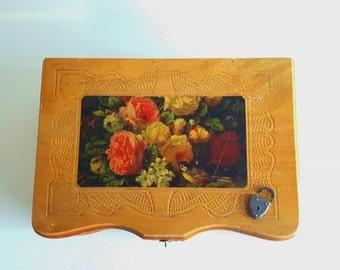 Vintage  Tramp Art Box Wooden Mirrored Jewelry Box Jewelry Box With Lock Wooden Memento Box Floral Mirrored Jewelry Box  with Original Lock