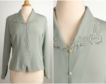 Lovely Lace Collared Button Up Blouse. Size Medium. Soft Sage Green. 1980's Vintage Fashion. Modern Essentials Brand.