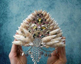 Diamanté mermaid shell crown