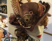 Lady Pirate steampunk victorian style tilt hat feather Brown jewels Cosplay theatre