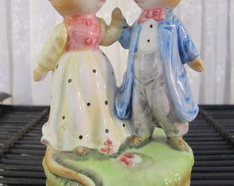 Vintage 80's ceramic musical dancing mouse couple