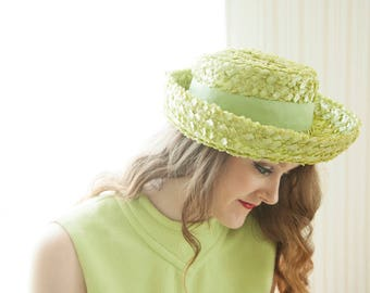 Vintage green bumper hat, woven raffia, lime 1950s 1960s school girl Madeline sailor sun
