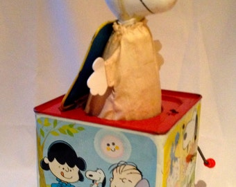 Vintage 1966 Mattel Snoopy Jack-In-The-Box Music Box