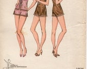 Vintage Sewing Pattern, 1980s Kwik Sew 940 Lingerie Pattern, Sizes XS - L; Camisole, Teddy, Flared Leg Tap Panties Pattern; Free US Shipping