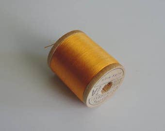 Corticelli Pure Silk Hand Sewing Embroidery Floss Thread 100 Yd. Wooden Spool Shade 3150 Light Yellowish Orange