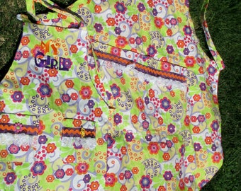 Matching Mother-Daughter Flowered Aprons by Cover Me Aprons