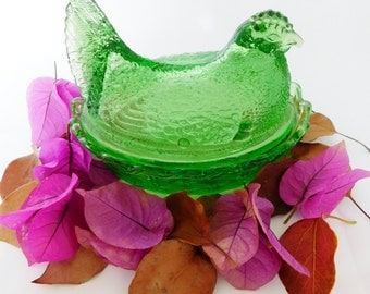 Hen Dish, Covered Hen Dish, Green Glass Hen, Vintage Kitchen, Thanksgiving Table, Basket Weave
