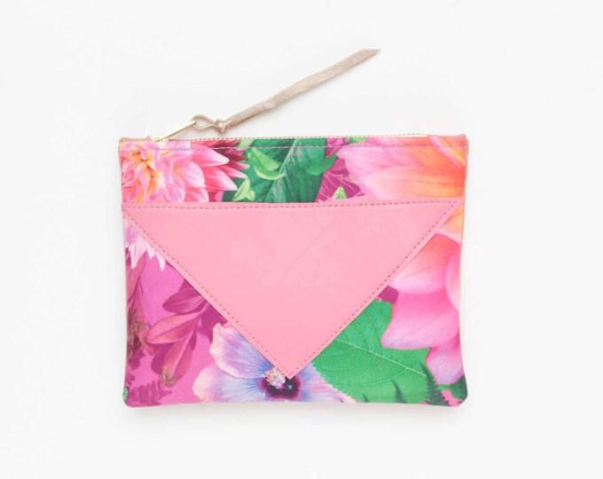 Flower makeup bag. Cotton zipper pouch. Cosmetic pouch. Makeup organizer. Pencil pouch. Travel pouch. Pink natural leather. /SPLASH 89