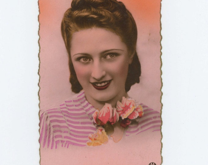 Vintage French Postcard, c1930s: Young Woman  [A. Noyer #3655] (71536)