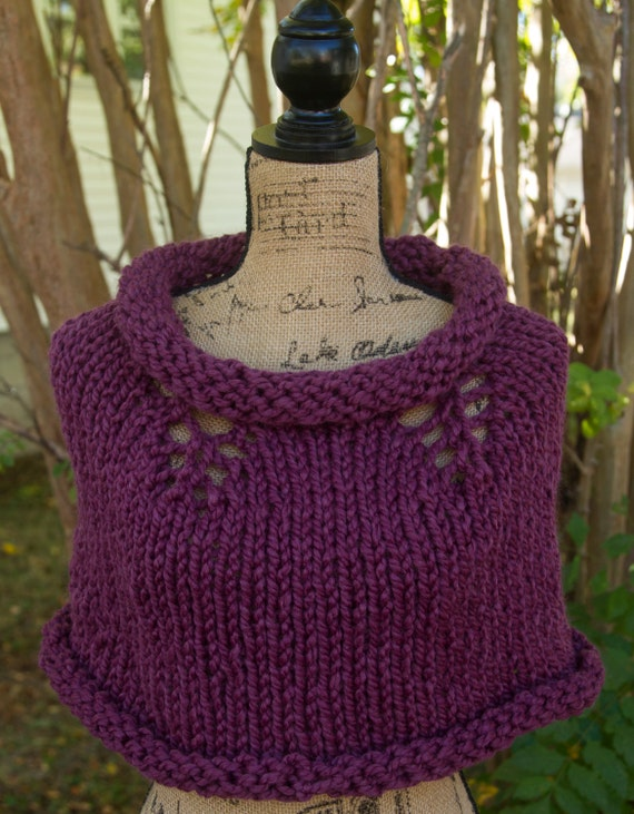 ONE IN STOCK - Ready to Ship! / Mistress Beauchamp's Capelet - Outlander Inspired