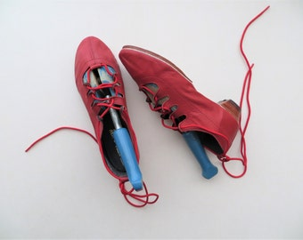 Vintage Dance Shoes, Scottish Jig Traditional Folk Ghillie, Red Leather and Brass Heel Tap Shoes, Women's US Size 7