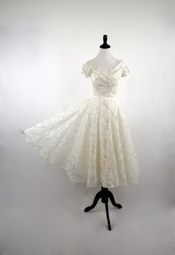 1950s white lace wedding prom dress tea length gloves for Wedding dress steaming near me