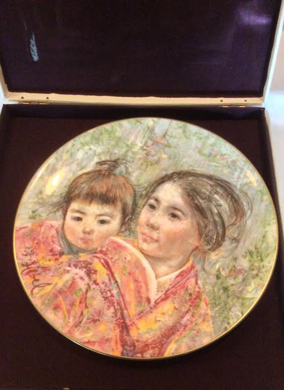 Vintage Royal Doulton Collectible Plate by Edna Hibel - Sayuri and Child - Original Box - Made in England