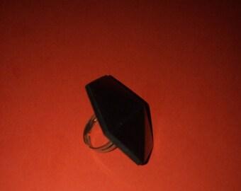 Geometric black wiid adjustable ring