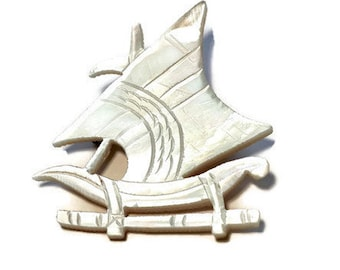 Mother of Pearl Ship Brooch, Carved Mother of Pearl Pin, Vintage MOP Jewelry,Carved Shell Brooch, Galleon Ship Pin