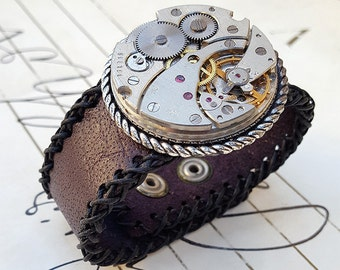 Steampunk Clock Mechanism Leather Wristband Cuff -Steampunk Bracelet-Steampunk leather cuff-steampunk cosplay Girlfriend Ladies gift