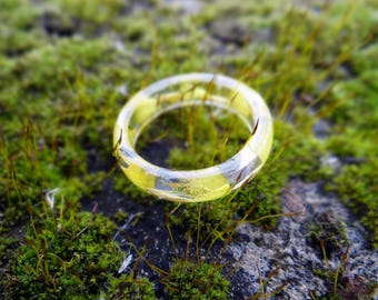 Eco resin ring Yellow ring Band ring Dried flowers Eco friendly jewelry Stacking ring pressed flowers Nature inspired ring Teen girl gifts