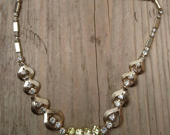 Beautiful sparkly rhinestone Sarah Coventry necklace