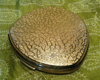 "1960s Stratton ""Crazy Paving"" Powder Compact. Vintage Makeup Accessories. Mid Century Cosmetics. Retro Powder Compact. Stratton England."