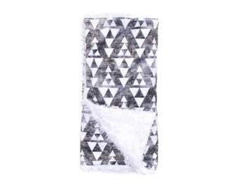 Stacked Triangles Minky Blanket, Minky Baby Blanket, Triangles Baby Blanket, Newborn Blanket, Gray Baby Blanket, Baby Quilt