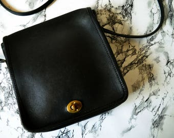 1980s Coach Compact City Pouch - New York City Bag - Black Leather