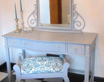 Vintage Inspired French Provincial Vanity in Soft Gray