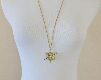 Vintage nautical necklace ship wheel pendant charm gold tone long Avon chain summer jewelry