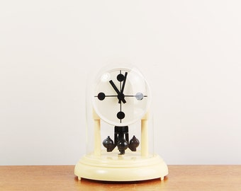 Vintage torsion pendulum clock - Quartz clock - ca. 1970s