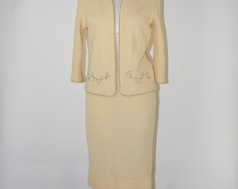 60s cream knit wool suit / 1960s two piece skirt suit / cropped blazer and pencil skirt set