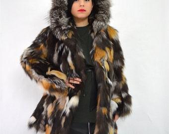 Real fur coat, fox fur coat, genuine fox fur jacket. Genuine fox fur pelt. Multicoloured fur jacket, black fur jacket. Black fox fur collar.