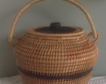 Twisted willow basket