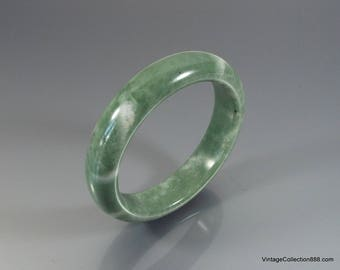 Light Green Jade Bangle 56mm - JB426