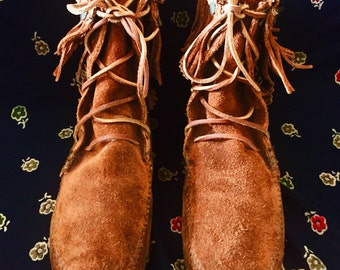 Vintage Minnetonka Lace Up Brown Tan Suede Leather Moccasin Ankle Boots Women's Size 8