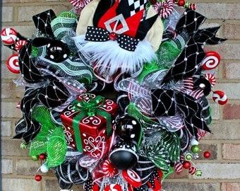 Christmas Elf Wreath, Elf Decoration, Holiday Decoration, Christmas Wreath, Winter Wreath, Character Wreath, Deco Mesh Wreath, Holiday Decor