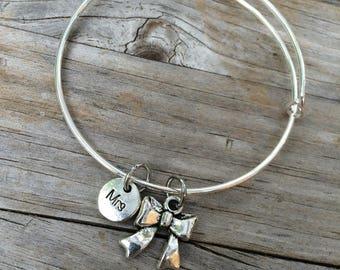 Mrs Bow bracelet, Wedding Bracelet, Bridesmaid Bracelet, Wedding gift, Bridal gift, Mrs bracelet