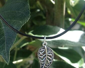 Silver Leaf Choker