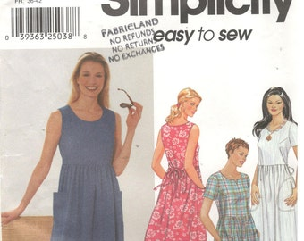 Simplicity 9743 Size 8, 10, 12, 14.  Women's sewing pattern empire short sleeve / sleeveless dress with back ties and pockets sewing pattern