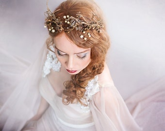 Golden crown  Bridal wreath Crown for the bride Golden wreath Hair jewellery