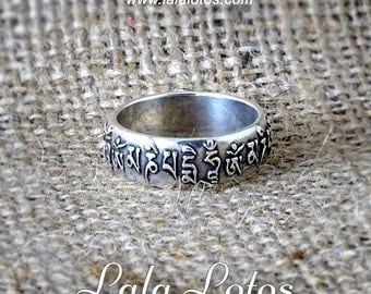 Om Mani Padme Hum, nielloed polished silver ring