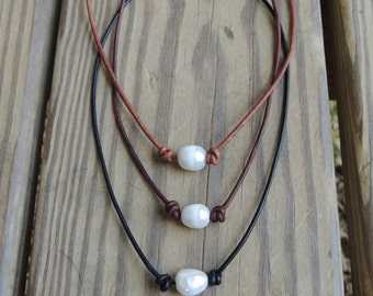 Freshwater pearl and leather necklace - custom length necklace - pearl lovers jewelry - beach necklace - layering necklace - leather choker