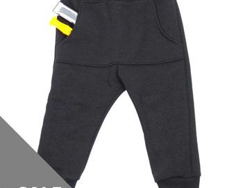 SALE 40% Kangeroo pants black