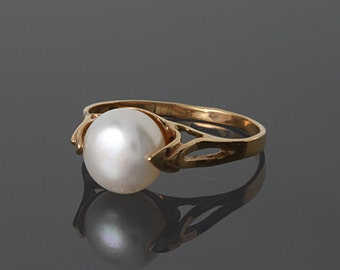 FINAL SALE 50% OFF, Pearl ring gold, White pearl ring, Pearl ring, Womans gold ring, Womans pearl ring, Elegant pearl ring