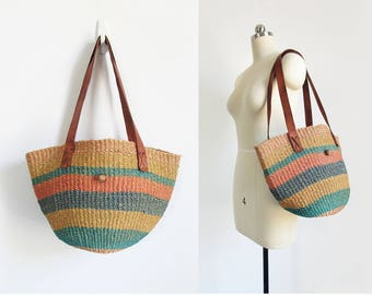 vintage sisal purse / jute shoulder bag / woven market tote with leather straps